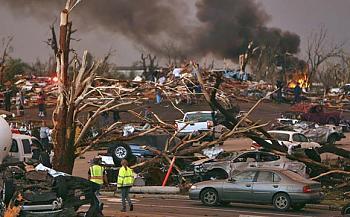 Reuters 90 Dead in Joplin Missouri After Deadliest American Tornado in 60 Years-618.jpg