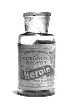 Border patrol agent, fired over drug comments-heroinbottle.jpg