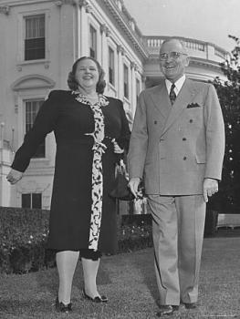 Harry truman - president of the united states-harry-s-truman-standing-outside-white-house-singer-kate-smith-posters.jpg