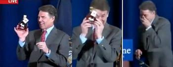 Perry?s giddy speech raises eyebrows, questions-giddy8.jpg