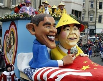 Funny Political Cartoons and Memes-obama-hugging-communist-leader.jpg