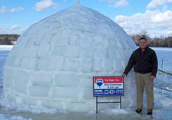 Please give me one good reason to visit New Hampshire-igloo.jpg