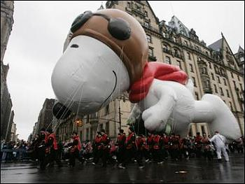Macys Day Parade-snoopy-balloon.jpg