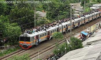 Help!  Is the commute worth it?-indonesia-train-hd.jpg