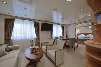 The Return of the Class System-cruises-owners-suite.jpg