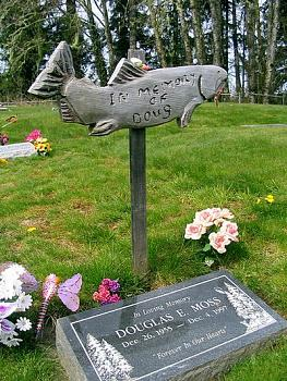 Unusual Headstones-image007.jpg