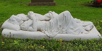 Unusual Headstones-image011.jpg