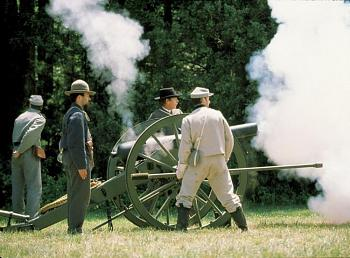 FATHER's DAY . . .what ya get?-antique-cannon-us-civil-war-field-piece.jpg
