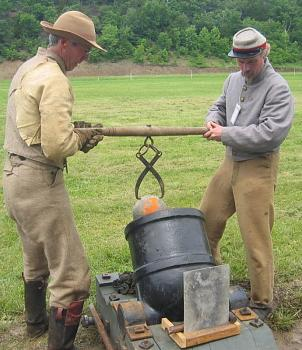 FATHER's DAY . . .what ya get?-antique-cannon-us-civil-war-mortar-loading.jpg