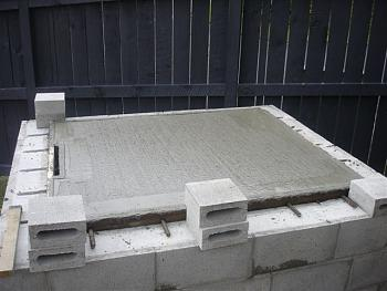 Trash, kiln or crematorium?-dsc00423.jpg