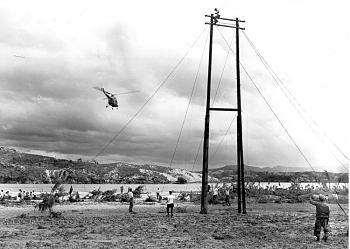 The Forgotten War-1950s-korea-about_to_span_river_with_cable.jpg