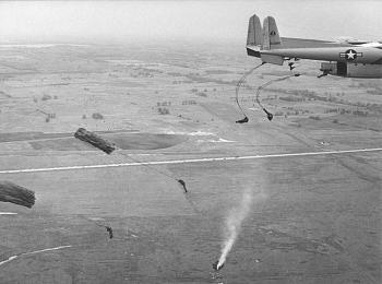 The Forgotten War-c119_air_drop.jpg
