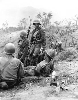 The Forgotten War-korean_001.jpg