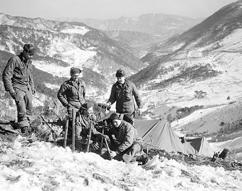 The Forgotten War-five-american-gis-u.n.-forces..jpg