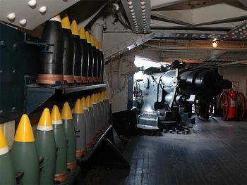 The Forgotten War-5inch-gun.jpg