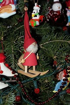 Christmas trees . . .-dsc00286.jpg