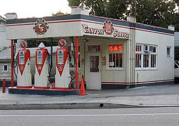 Gas Stations of the past-image015.jpg