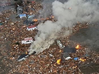 tsunami/quakes-japan-tsunami-reuters1-640x480.jpg