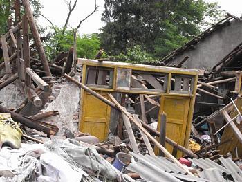 tsunami/quakes-sichuan_earthquake_wenchuan.jpg