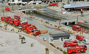 tsunami/quakes-fukushima-daiichi-fire-truck.jjpg.jpg