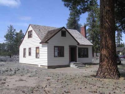 Cabin Lake Guard Station Silver Lake Oregon
