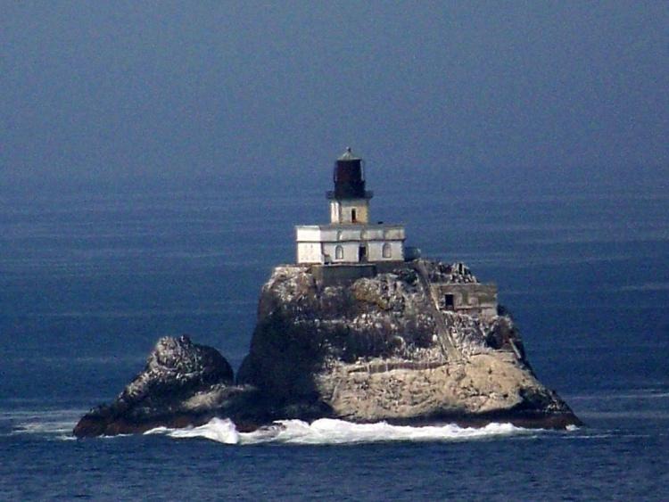 Cannon Beach Oregon Tillamook Rock