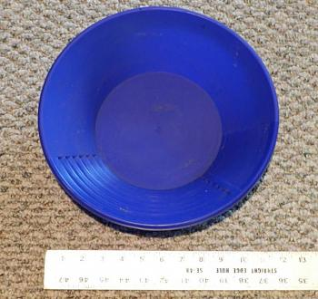 Quartzville gold-figure-9-med-blue.jpg