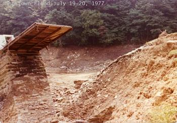 Who flooded Johnstown PA?-johnstown-flood-july-19-20-1977.jpg