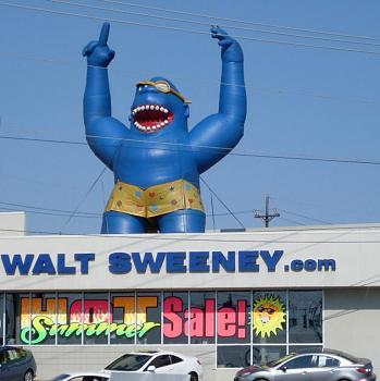 giant critters et al-inflatable_blue_gorilla.jpg