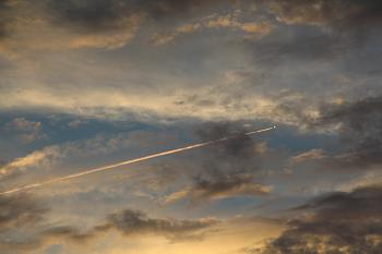 Contrails or Chem-Trails......what do you think?-img_3255.jpg
