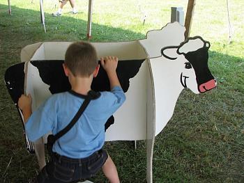 My neighbor is a FAT COW!!!-img_6361.jpg