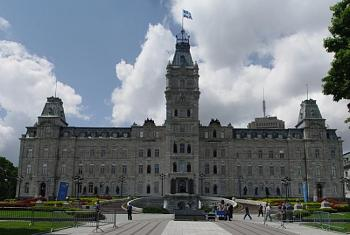 State capitol buildings-quebec_parliament.jpg