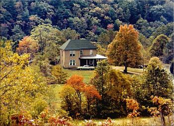 Just shooting down or along the highway as I traveled ... scenery, roadways, etc.!-farmhome-w.va.-16.jpg