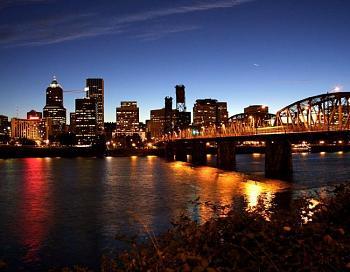 Hub-portland_night_skyline_img_4149.jpg