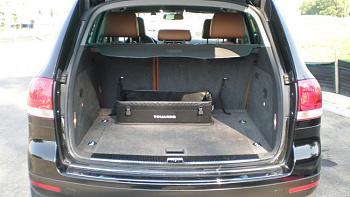 "Anyone drive a ""Touareg"" - Volkswagen?-2004-volkswagen-touareg-10-.jpg"