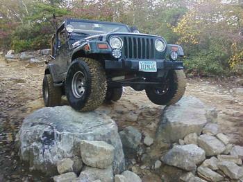 Anyone else drive a Jeep?-nicestance.jpg