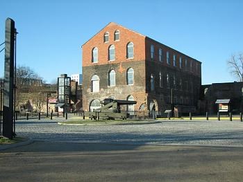 Cool places to see in Richmond-tredegar-iron-works-now-confederate-museum.jpg