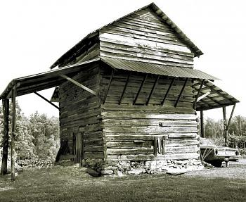 Most Iconic Building-tobacco_barn_black_and_whiteweb_6s1n_uihi.jpg
