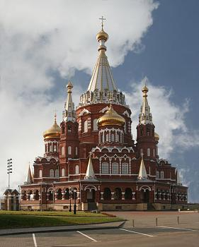 Most Iconic Building-svyato_mihailovsky_cathedral_izhevsk_russia_richard_bartz.jpg