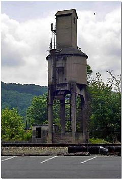 """Do you know how """"railroads"""" are built...this is amazing-railroad-coaling-tower-steam-engines....abandoned-but-landmark-ronceverte-wv%3D.jpg"""