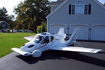 Terrafugia-0629-flying-car_full_600.jpg