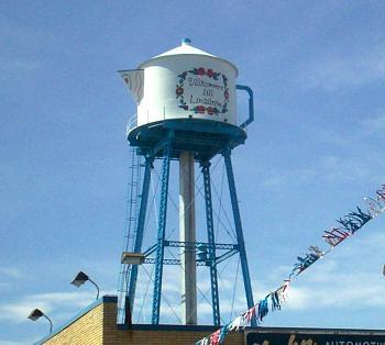 Water tower-lindstromwatertower.jpg