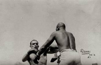 "the ""Galveston Giant""-jack-johnson-jeffries-fight1sm.jpg"