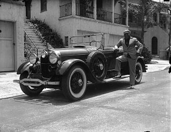 "the ""Galveston Giant""-jack-johnson-car.jpg"