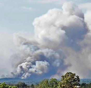 Pics of the Texas Fires-sseview5sep1000.jpg