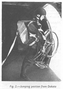 bikes-uk-ww2-bicycle-bsa-airborne-bicycle-folded-paratrooper-jumping-c-47-dakota.jpg