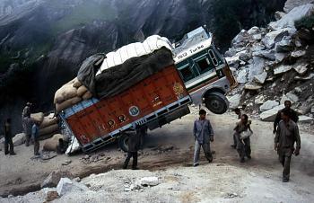 Transportation-india-truck-overload.jpg
