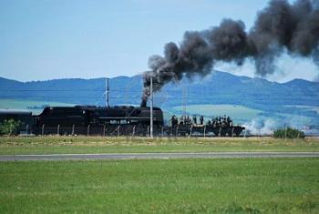 Rail wars-7256041-armoured-train-fighting-nazi-troops.jpg