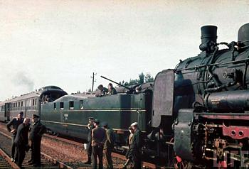 Rail wars-hitlerstrain_sm.jpg
