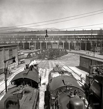Rail wars-roundhouse.jpg